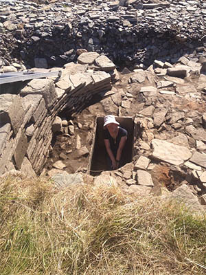 Wendy demonstates size of Swandro tank